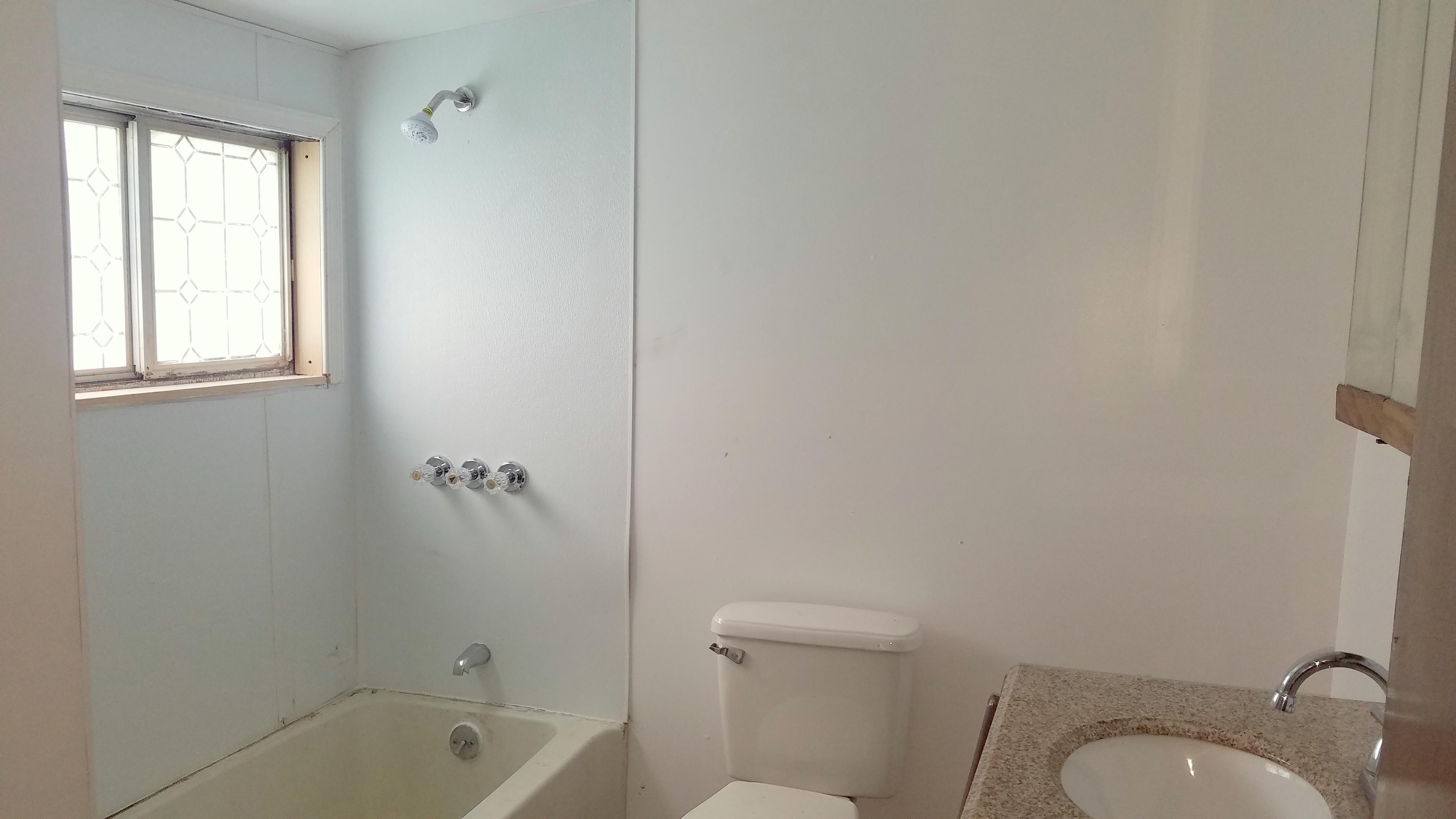 1109 Center Avenue Pottstown PA 19464 - bathroom